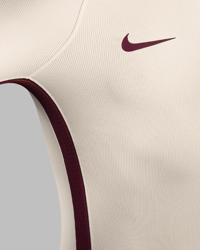 maglia bianca roma dettaglio