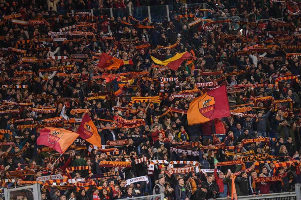 Il video dei tifosi del Lione in centro a Roma