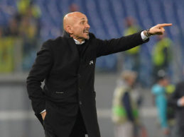 """Roma, ma che fatica: sconfitta, passa il turno. Spalletti: """"È colpa mia"""""""