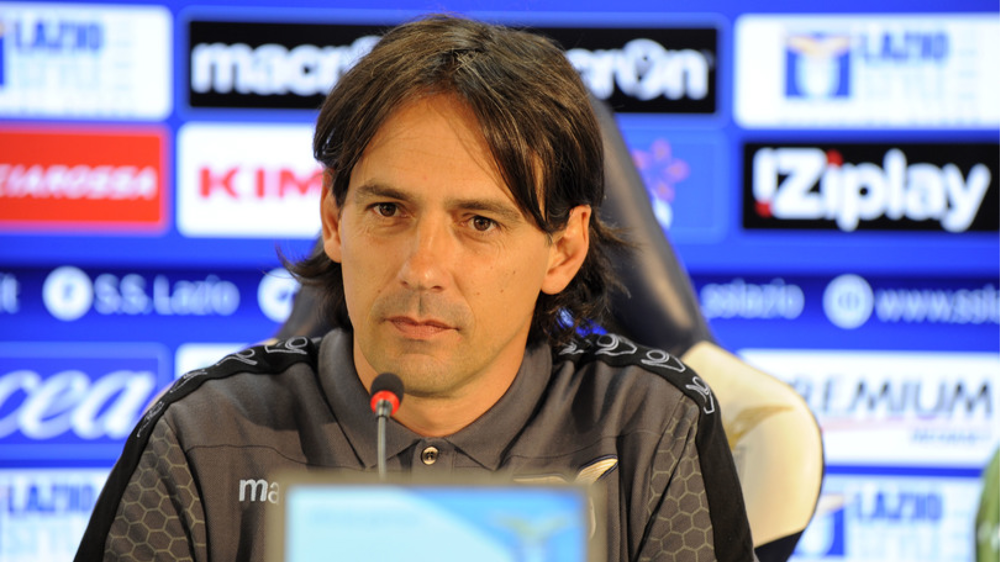 Roma-Lazio, polemiche sul rigore per Strootman: non c'è contatto