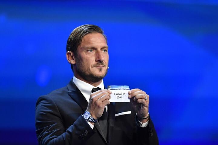 Roma, la Uefa omaggia Totti: un premio alla carriera