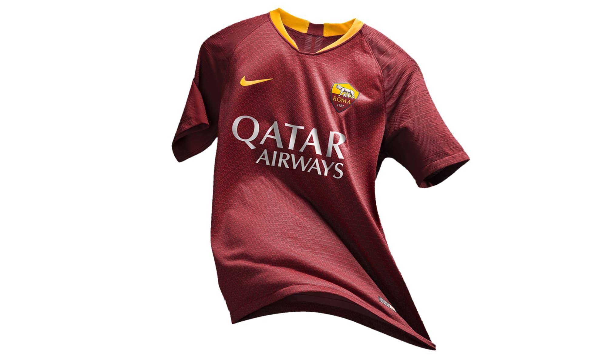 Roma, Nike svela la nuova maglia: si ispira all'armatura degli antichi romani