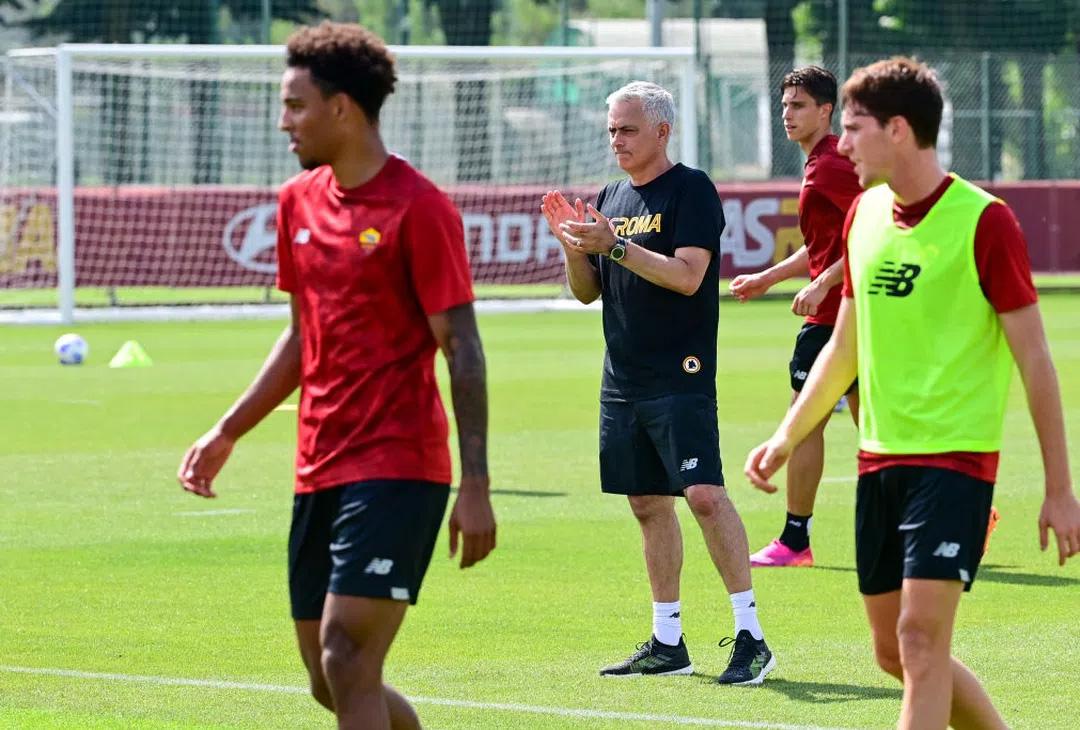 Roma, a Trigoria è tutto blindato: Mourinho non vuole occhi indiscreti